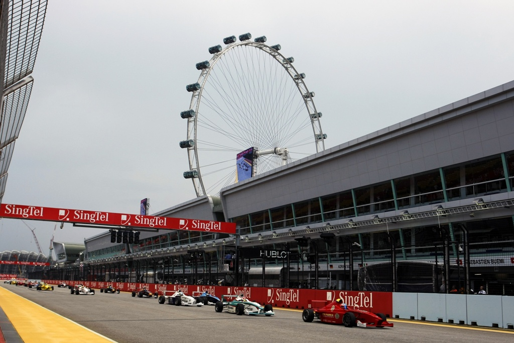 Racing driver wanted for support race to Singapore GP | Fit to ...