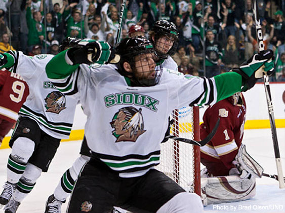 NCAA HOCKEY: Notre Dame advances, can anyone stop Sioux? - Puck ...