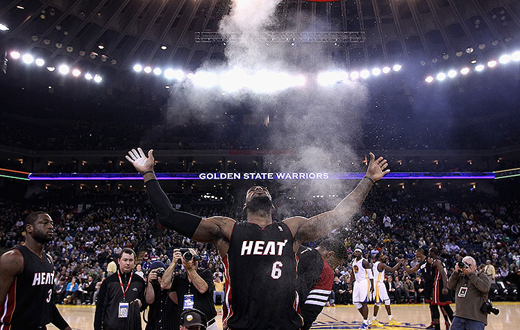 LeBron James is bringing back his pregame powder toss