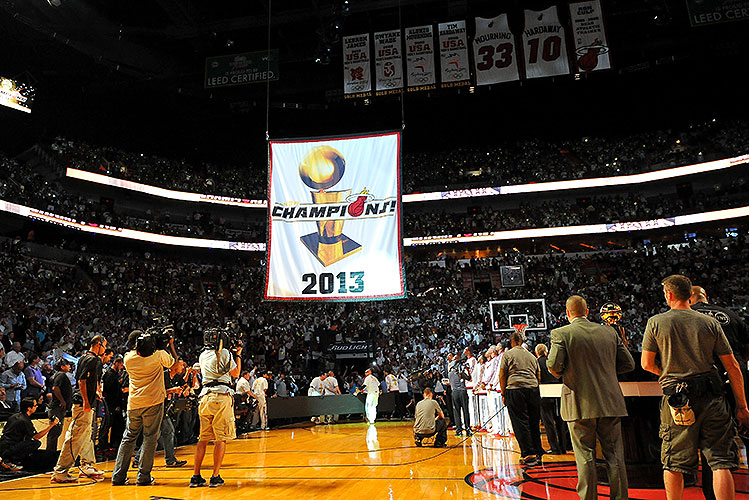 Miami Heat receive 2012-13 NBA championship rings, raise second…