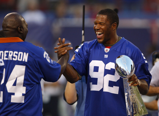 Michael Strahan among 17 former NFL players up for Hall of Fame…