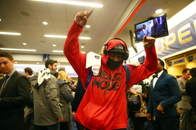 Marshawn Lynch naturally keeps his postgame comments brief in v…