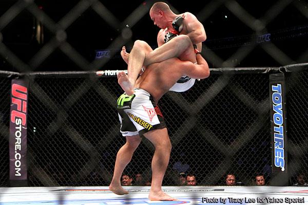 At UFC on Versus 6, Struve taps out Barry