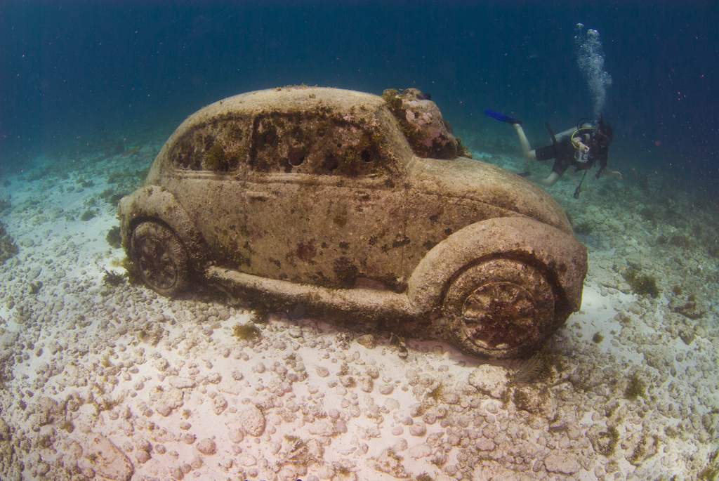 How A Life Size Vw Beetle Becomes An Underwater Tourist Attraction