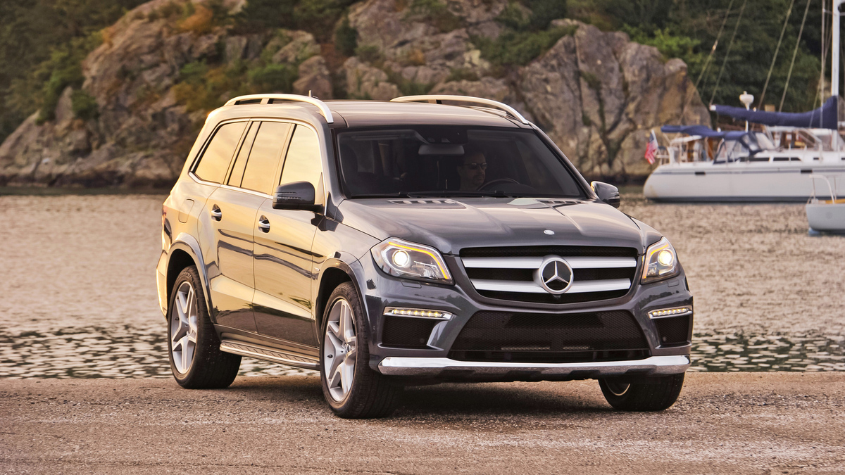 2013 mercedes benz gl550 power meets comfort for a price for Mercedes benz gl 450 price