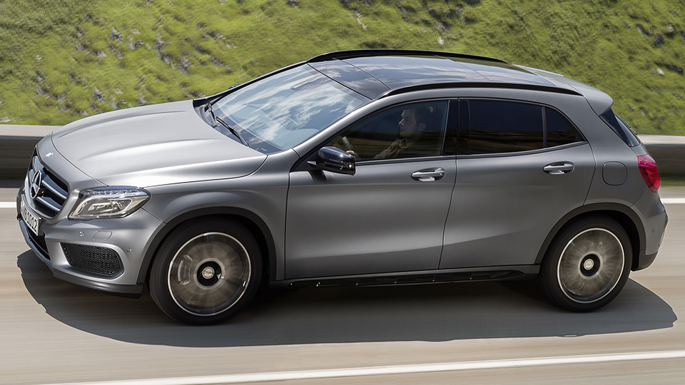 Mercedes squeezes into compact suvs with the new 2015 gla for New mercedes benz small suv