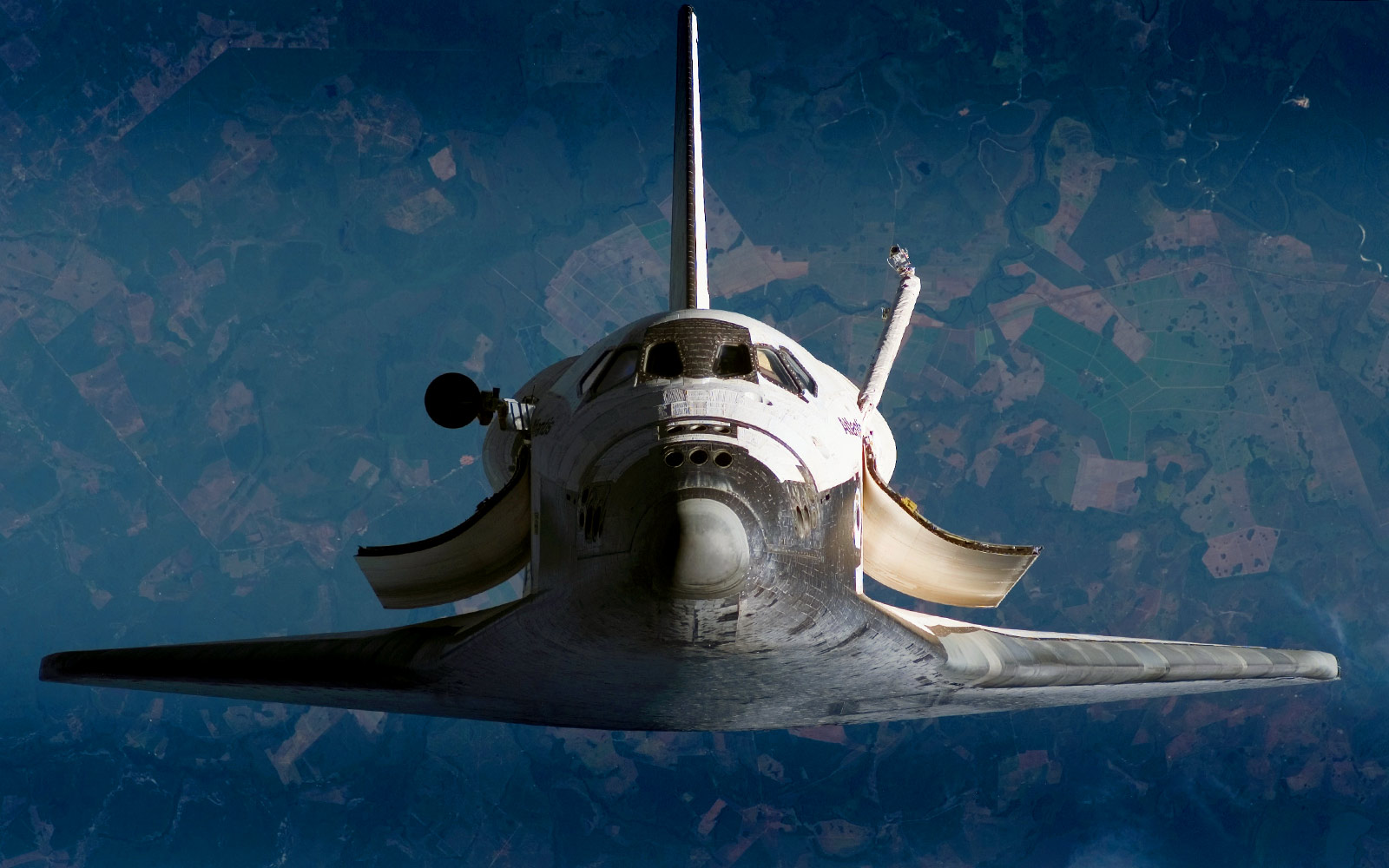 Awesome panoramas put you in the cockpit of real spaceships