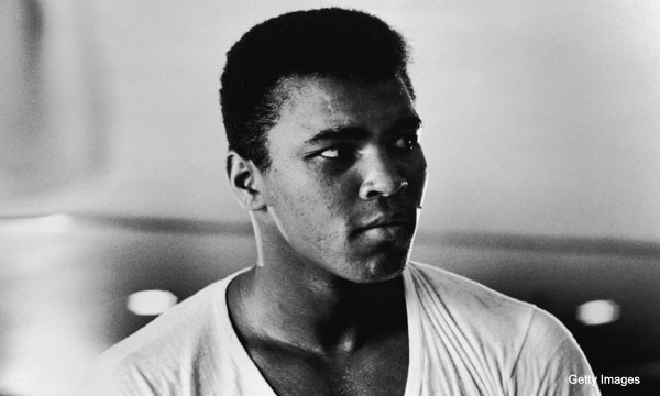 Muhammad Ali's 'greatest' gift to Dirk Nowitzki - Ball Don't Lie - NBA Blog - Yahoo! Sports