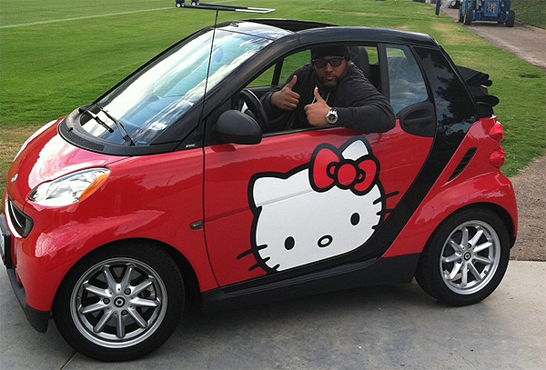 Antonio Garay The Nose Tackle Who Drives A Hello Kitty