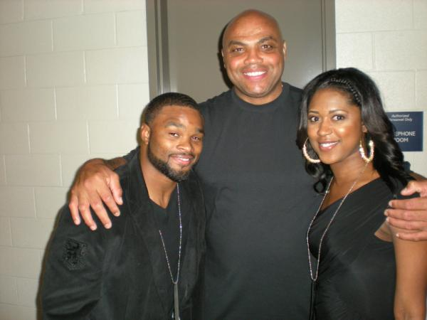 Photo Sir Charles Barkley Enjoyed Ufc 136 Cagewriter