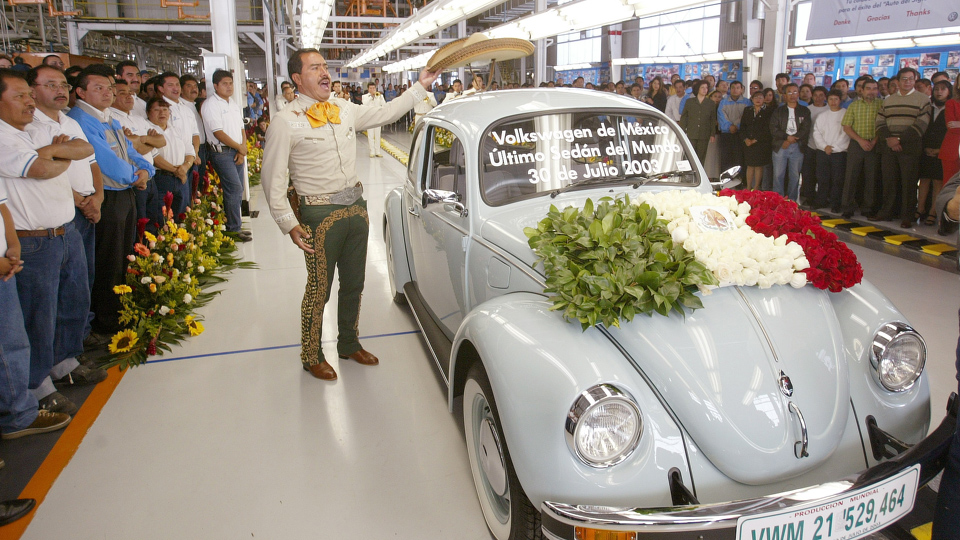 Last Beetle (ever) built in Mexico on this day in 2003 - Aircooled ...