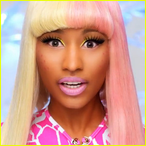 Nicki Minaj - Beez in the Trap ft 2 Chainz (Video)